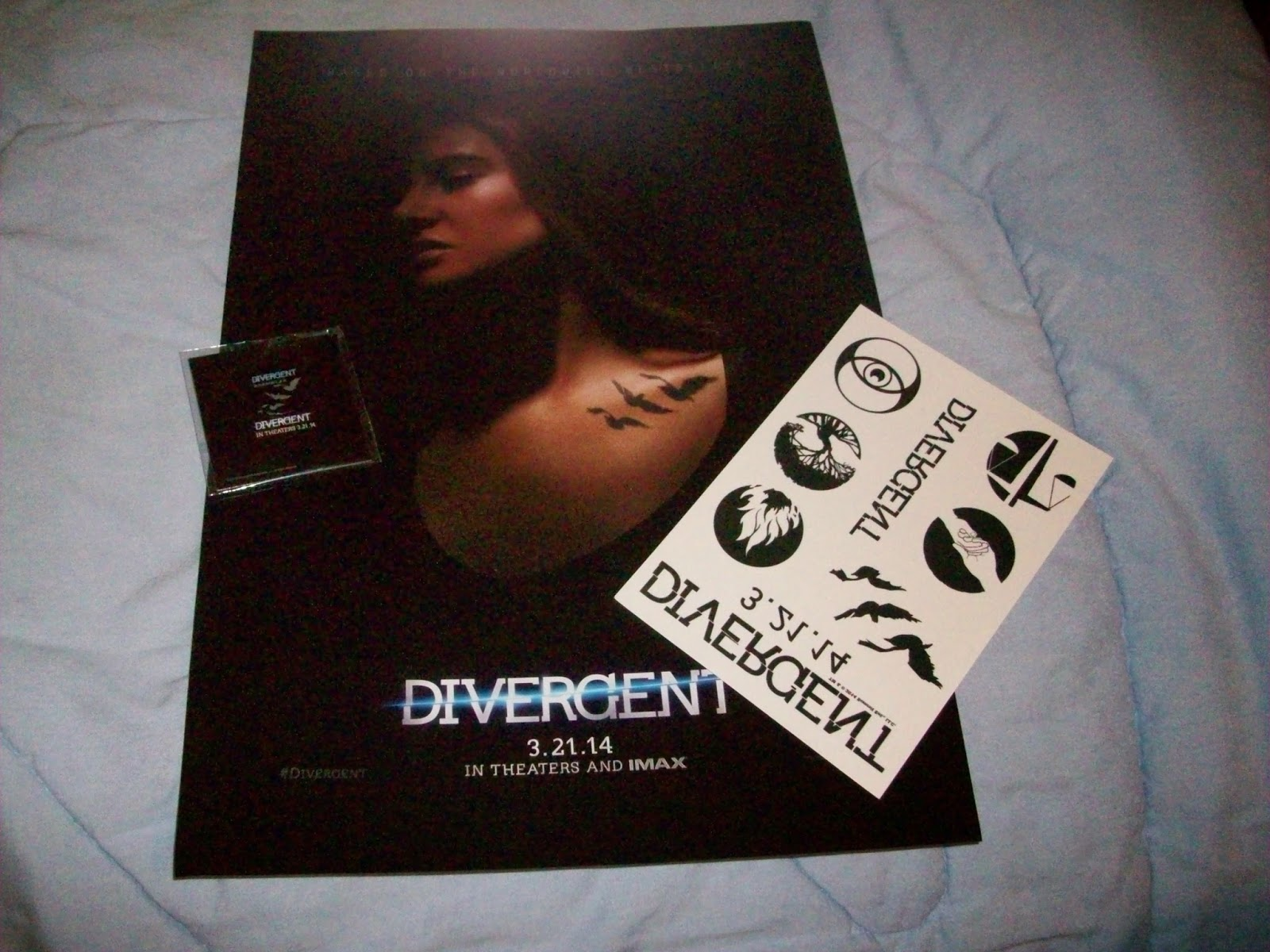 Rockets2Writing: Divergent Swag Giveaway